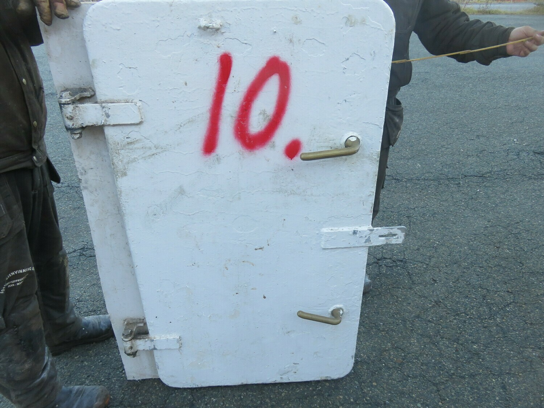 10. Dører m/ramme 124x66  alu/alu
