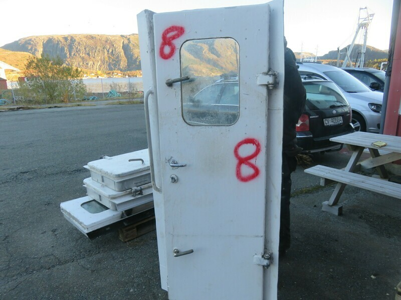 8.Dører m/ Ramme  183x61  Alu/alu