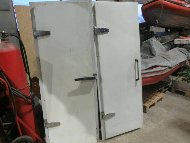 1.  2stk Kjøle/fryseroms dører 60x185.