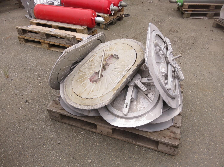 1. BOMAR flush monterte Luker,  alu    ca 77x51cm