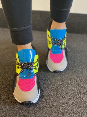Vibe Multi Color Sneaker