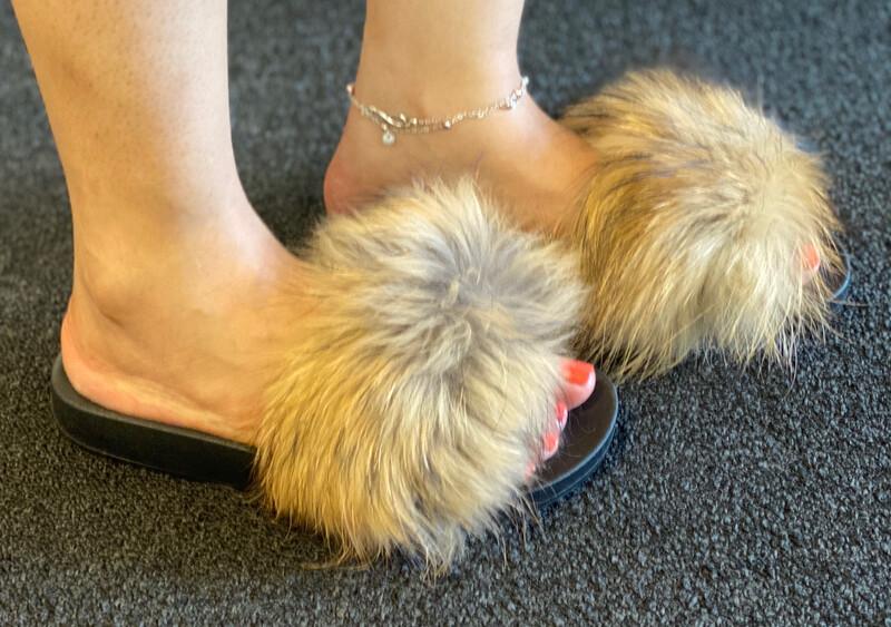 Fluffy - Tan Furry Flops