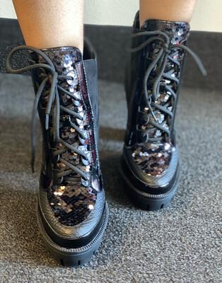 Irresistible - Black Boot