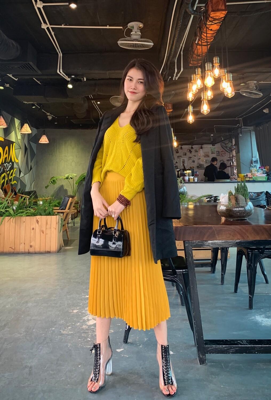 Chân váy xếp ly lụa Nhật Lam mẫu midi