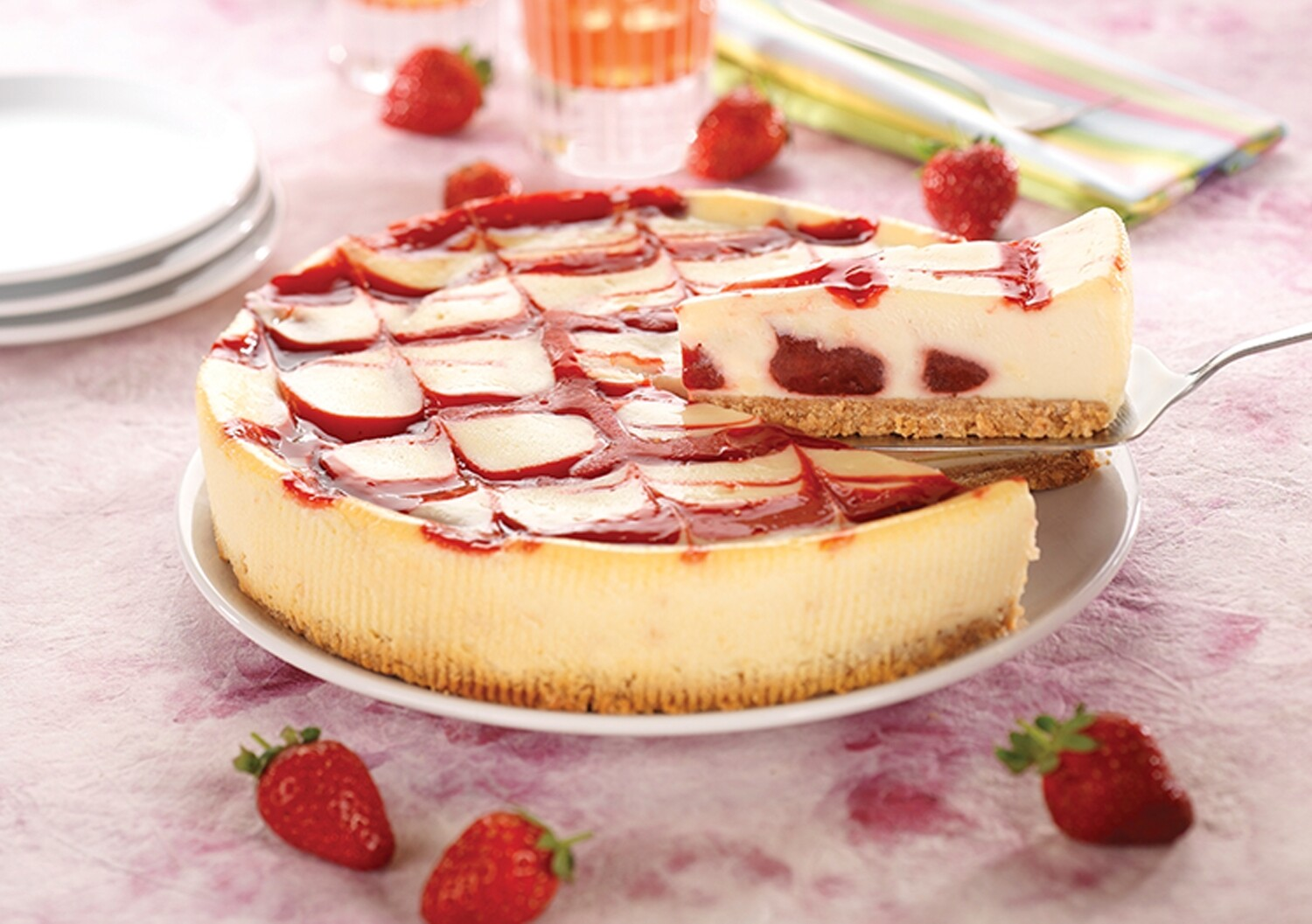 Strawberry & White Choc Cheesecake (12 Slices)