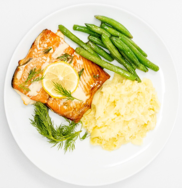 Lemon Dill Roasted Wild Caught Salmon, Cauliflower Mash, Green Beans