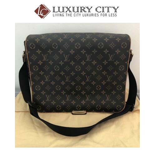 Preloved Louis Vuitton Monogram Abbesses man messenger bag