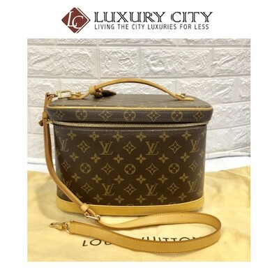 [Luxury City] Preloved Vintage Louis Vuitton Cosmetic Bag with Strap