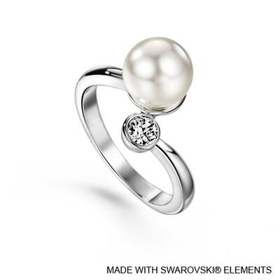 LUSH Elegant Swarovski Pearl Ring