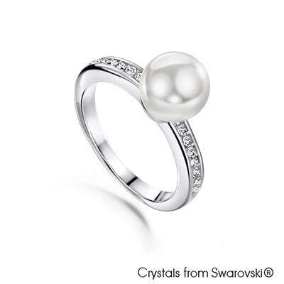 LUSH Classic Pearl Ring