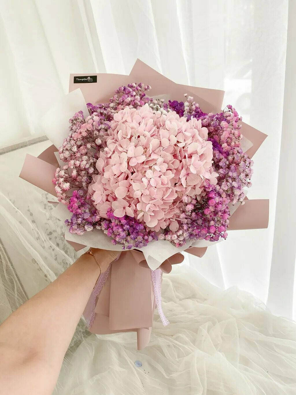 Huoly (By: Temptation Florist from Seremban)