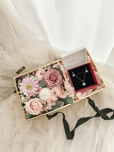 Jewelry Flower Box (Not Included Jewelry) (By: Temptation Florist from Seremban)