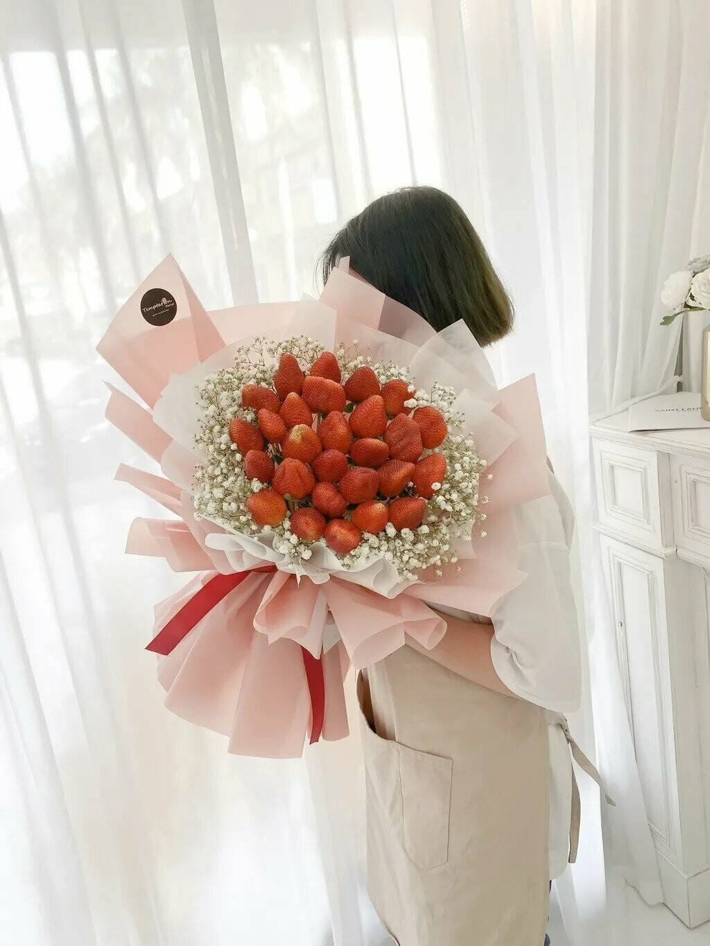 Strawbelly (By: Temptation Florist from Seremban)