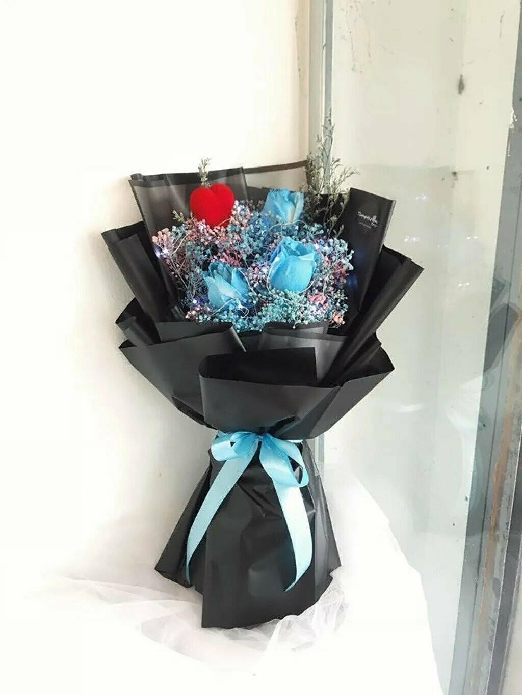 Blue Love (By: Temptation Florist from Seremban)