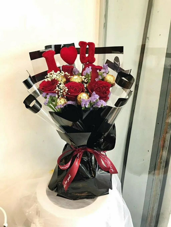 Lovel (By: Temptation Florist from Seremban)