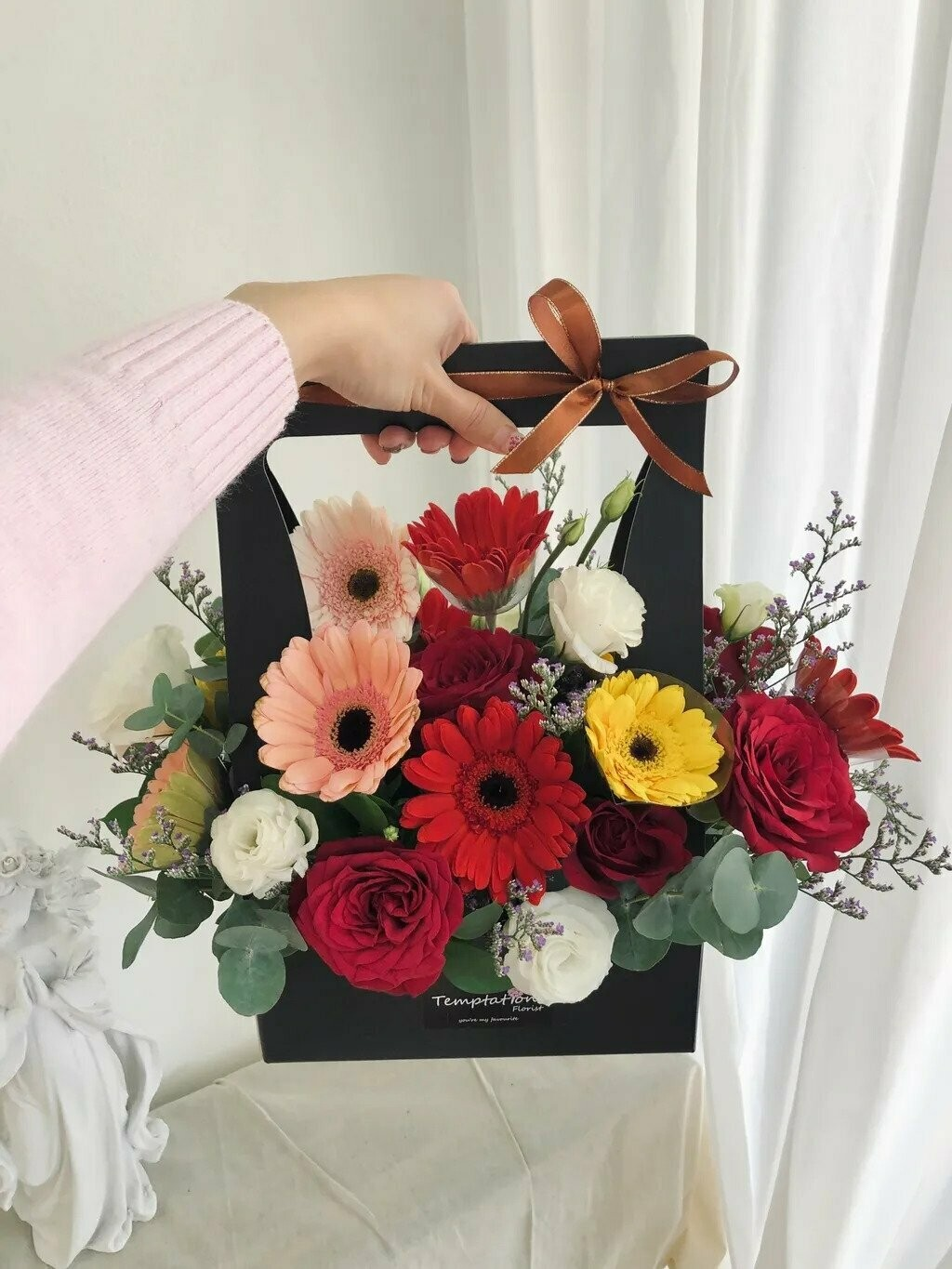 Love Hold (By: Temptation Florist from Seremban)