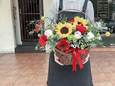 Warm Success (By: Temptation Florist from Seremban)
