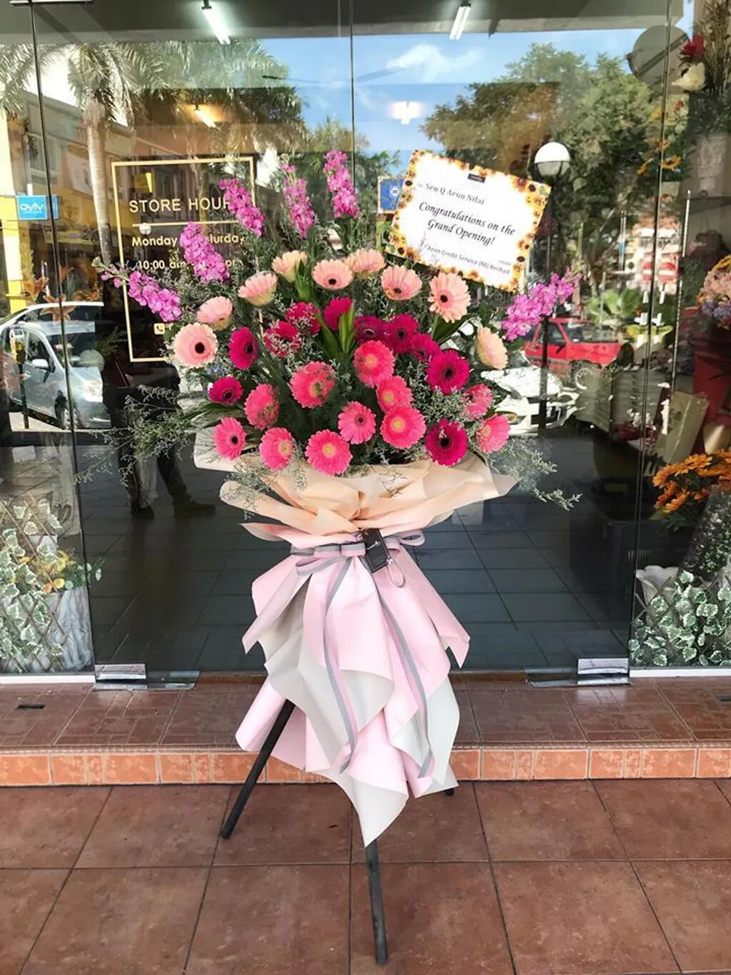 Wonderfully Opening Flower Stand (By: Temptation Florist from Seremban)
