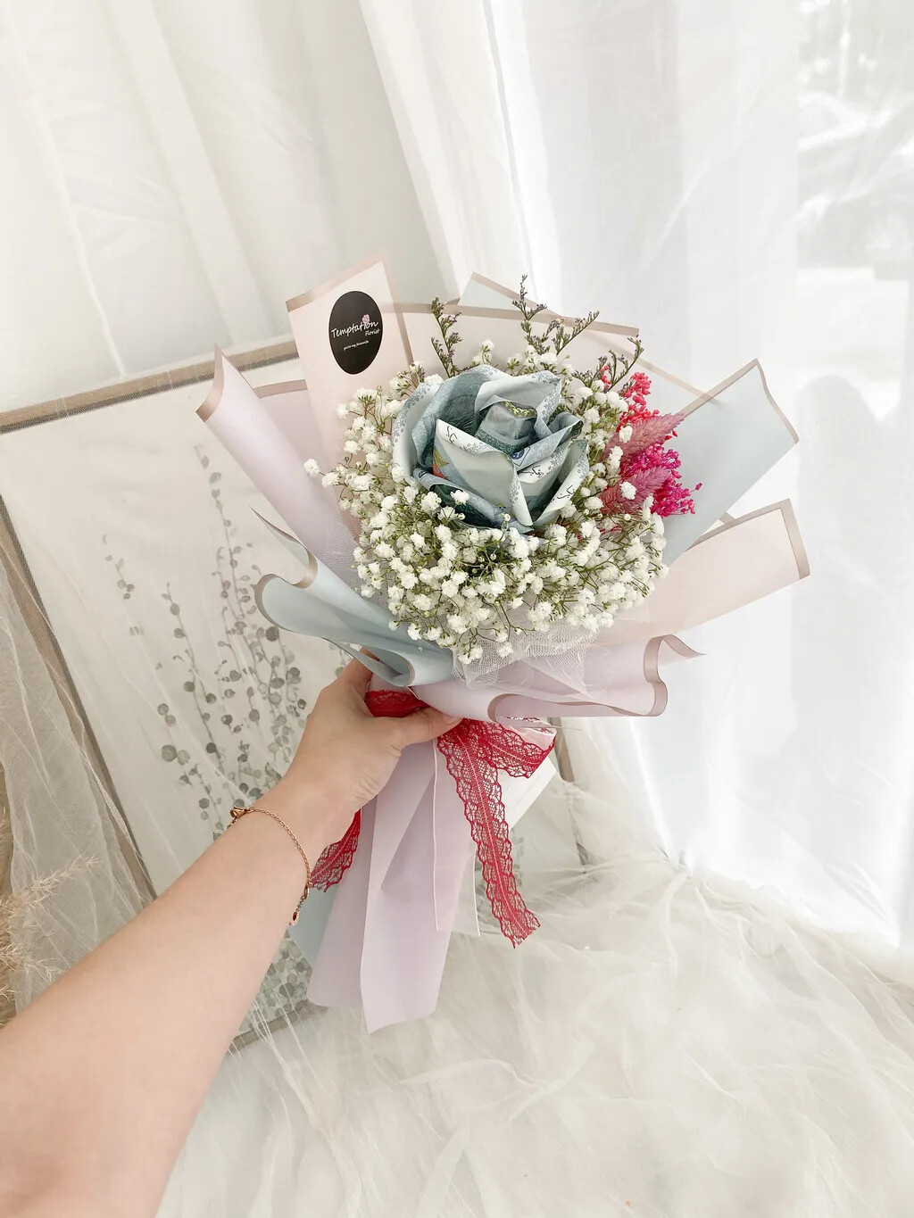 Hottest (By: Temptation Florist from Seremban)