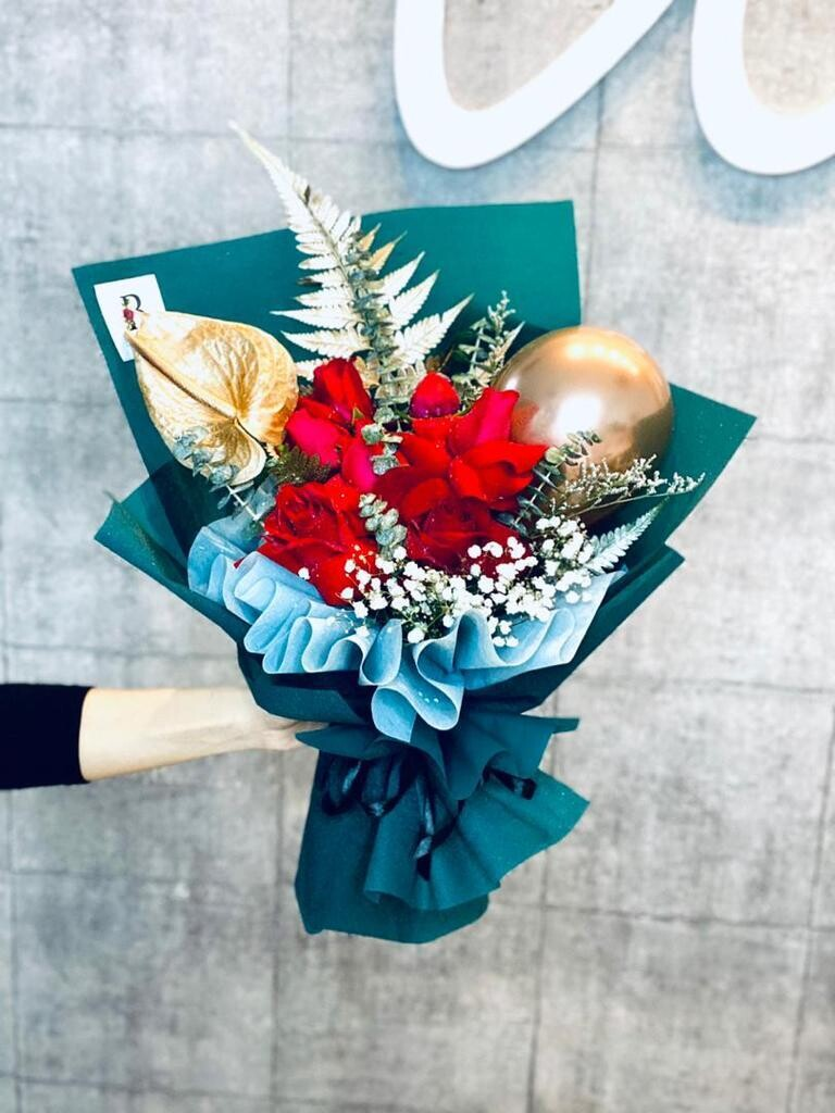 Shining Love Bouquet (By: The Bliss Florist from Melaka)