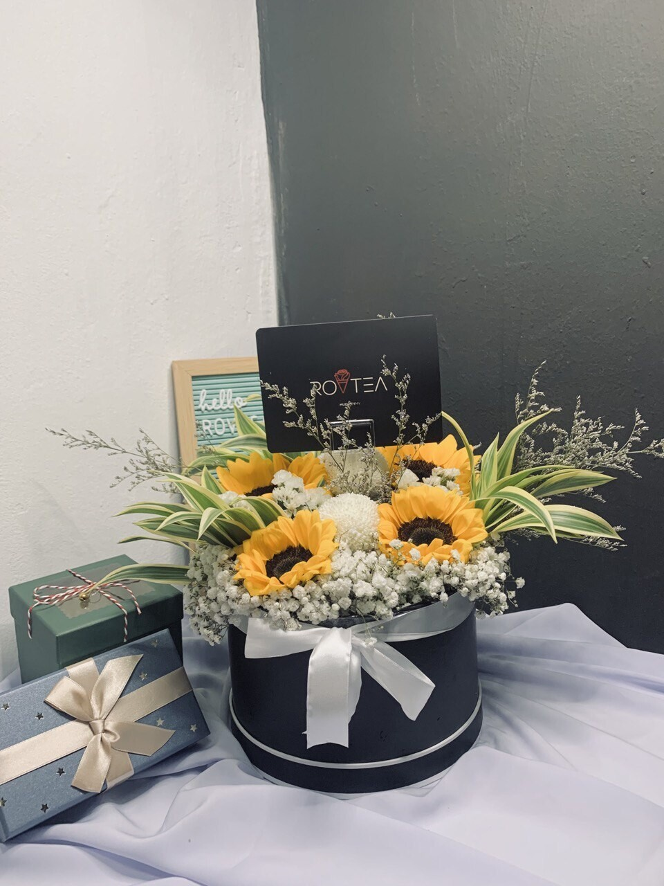 SUNFLOWER+BOX (By: Rovtea Empire from Ampang)