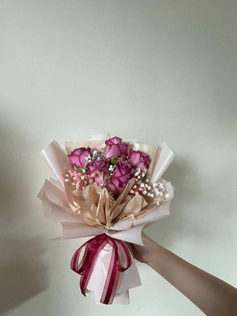 Fresh Roses With Baby Breath Bouquet (By: Stylush Studio Floral Design from Kota Kinabalu)