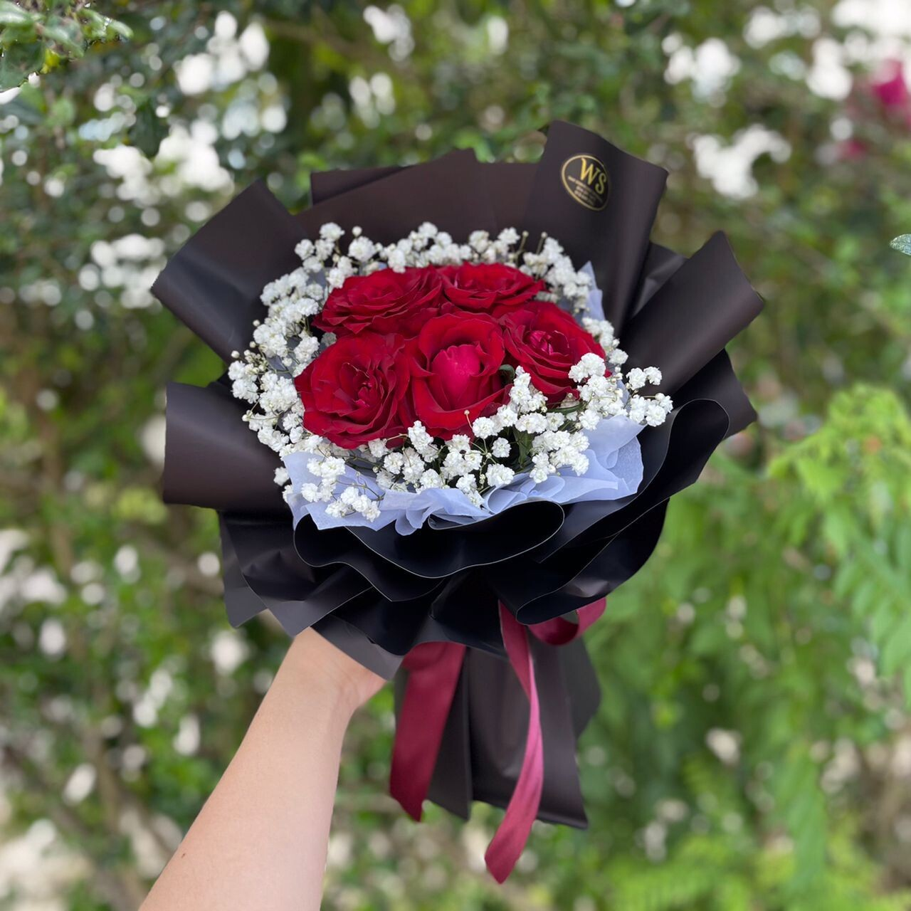 Red Roses with Baby Breath (Small Size) (By: Wan Soon Florist from Miri)