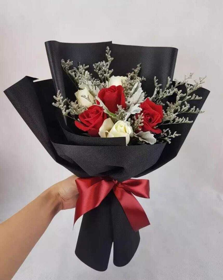 6 Roses+Caspia Bouquet (By: Wistaria Florist from Sibu)