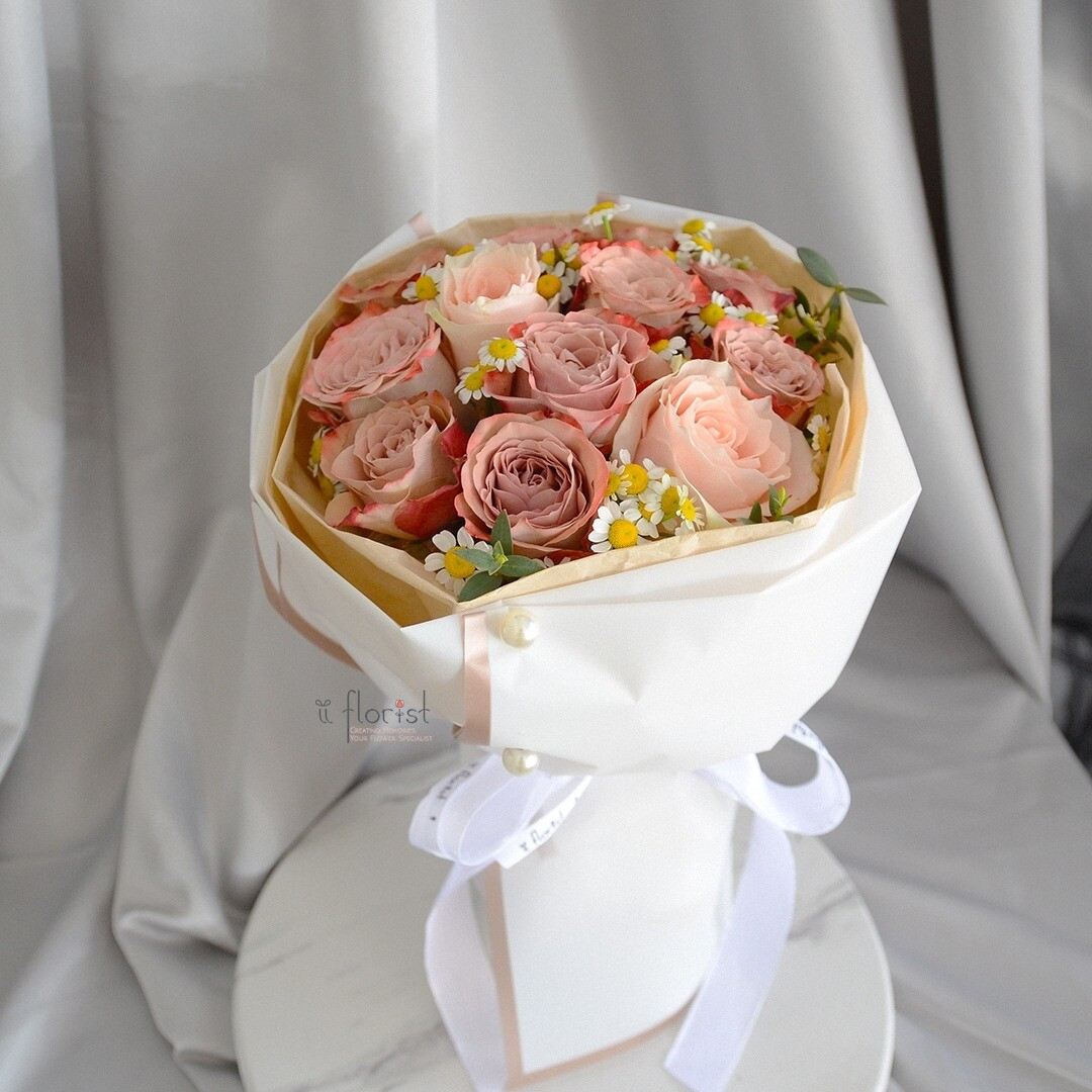 Cappuccino Rose Bouquet (By: iiFlorist from Cheras)