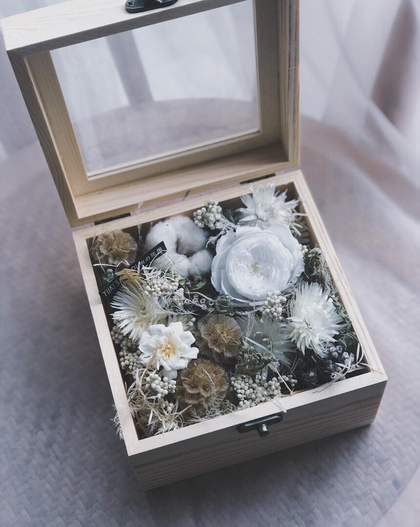 Preserved Flower Wooden Box - White Innocent (By: Yuki Flori from Bukit Jalil)