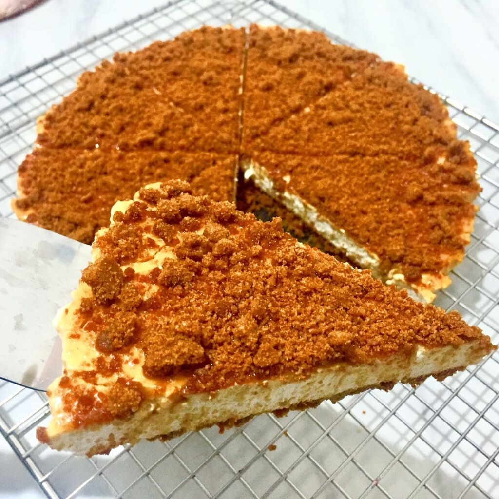 Salted Caramel Biscoff Cheese Pie (By: YII Blu Cakes & Bakes from Kuala Lumpur)