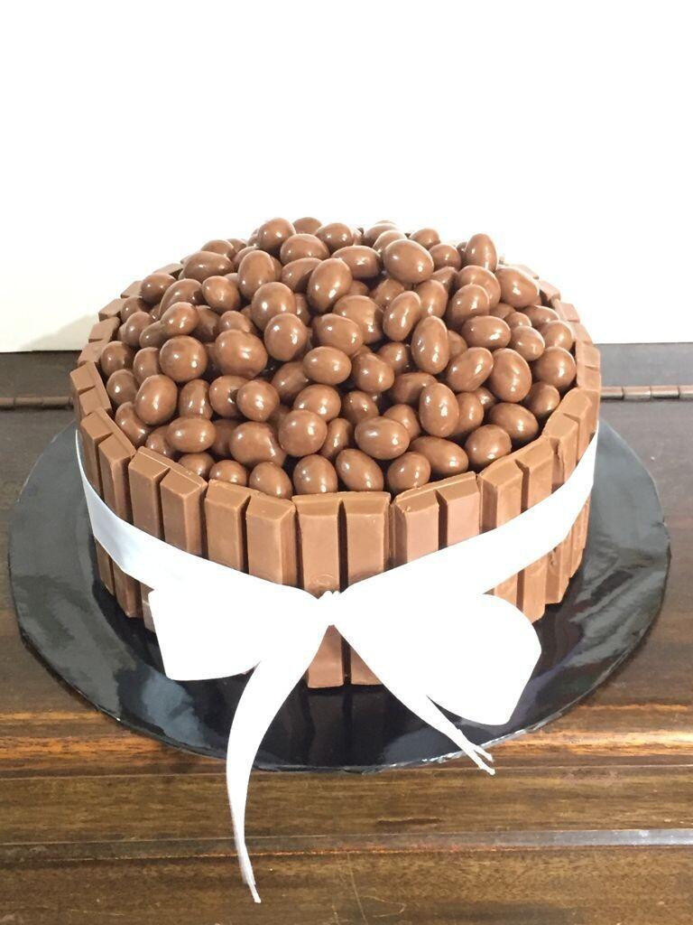 American Chocolate Cake (By: YII Blu Cakes & Bakes from Kuala Lumpur)