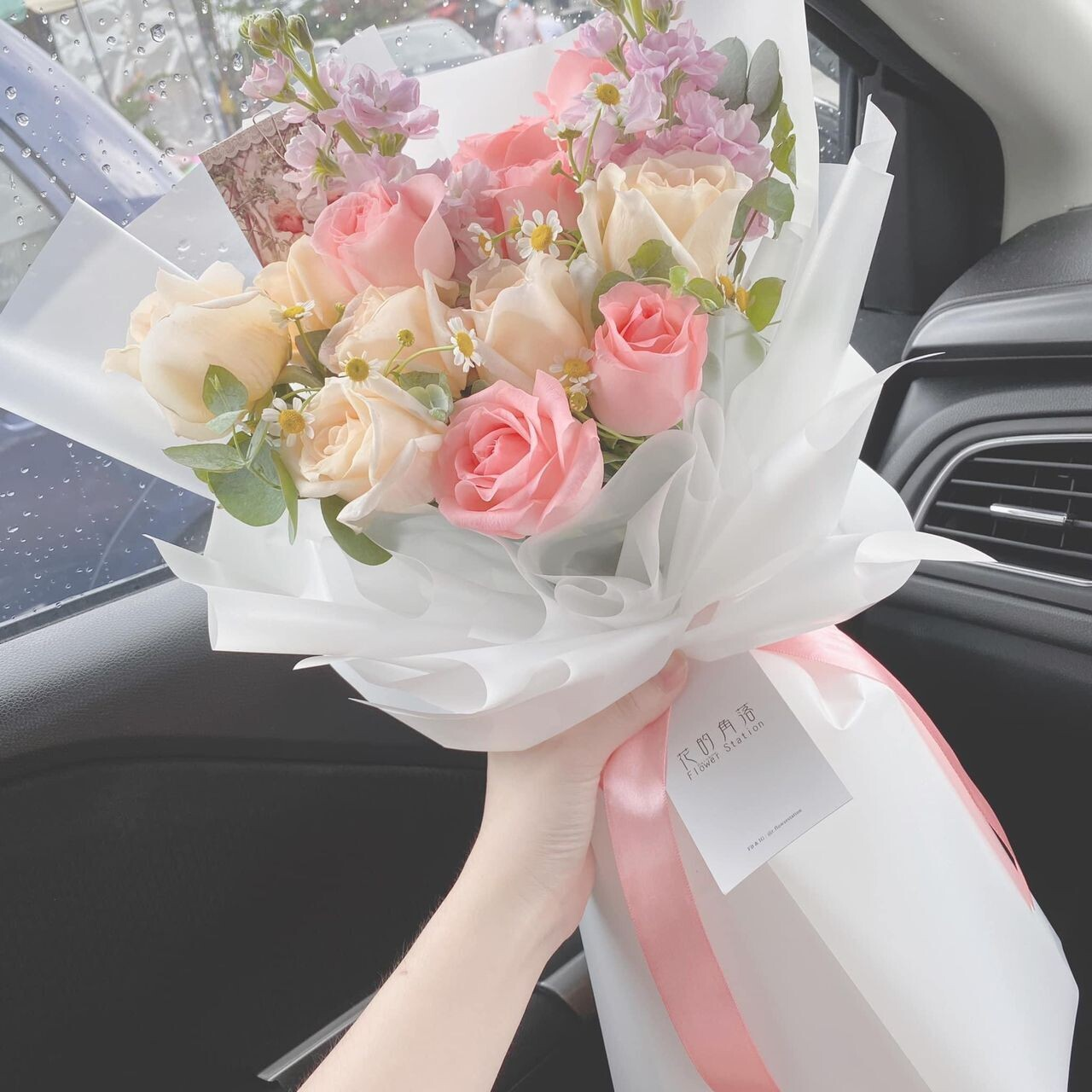 Romance Rose Bouquet (By: Rainbow Flower Station from Cheras)