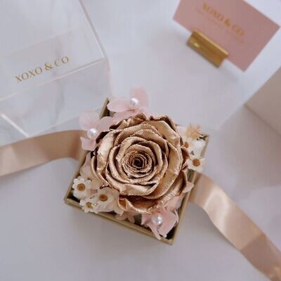 Sincere Love (Gold) (By: XOXO The Floral Studio from Miri)