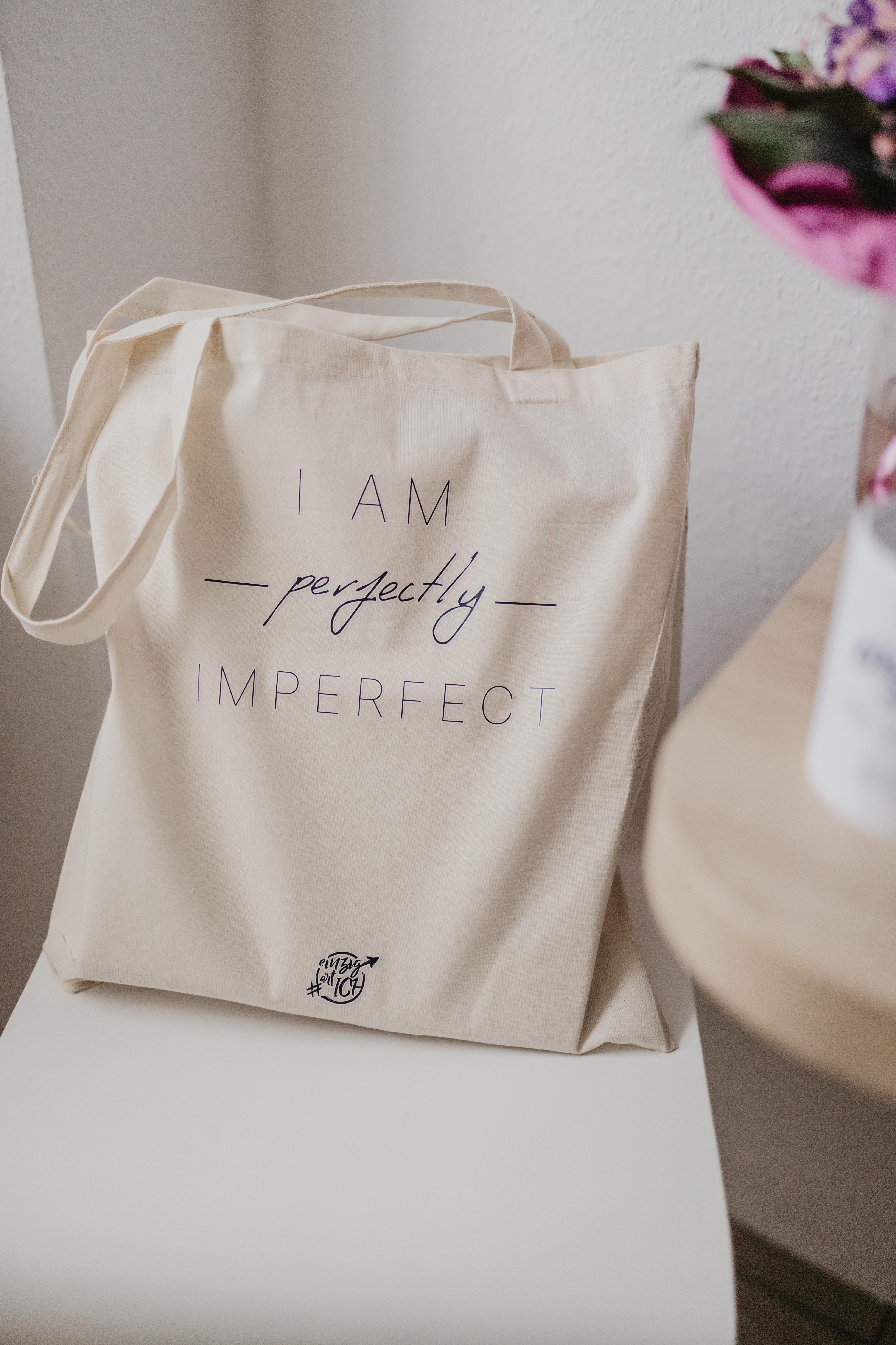 """Jutebeutel """"I am perfectly imperfect"""""""