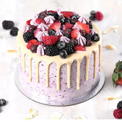 Yummy Vanilla Berry Delight Cake