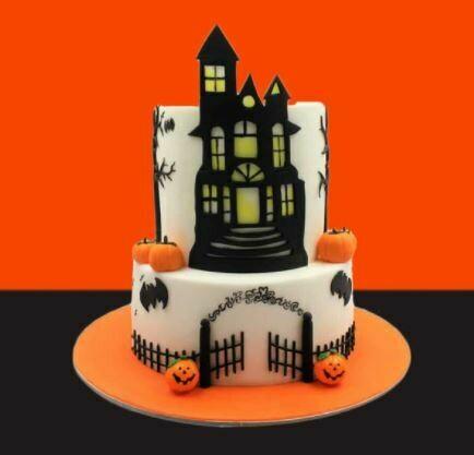 SCARY CASTLE CAKE