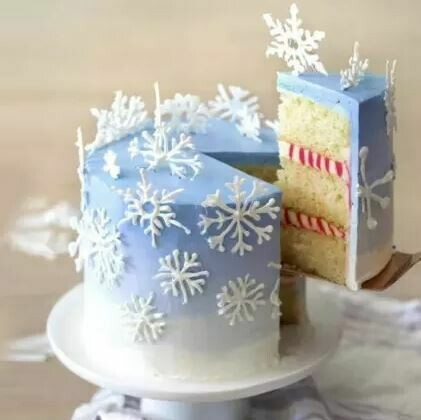 Snow flake Cake With Decoration