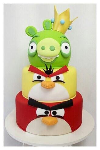 King Pig Angry Birds Cake