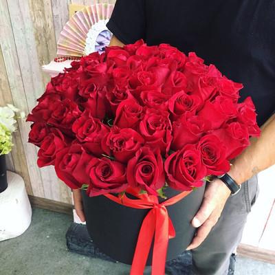 Роза в Коробке 51 красавица