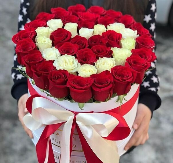 Коробка из роз сердце ❤