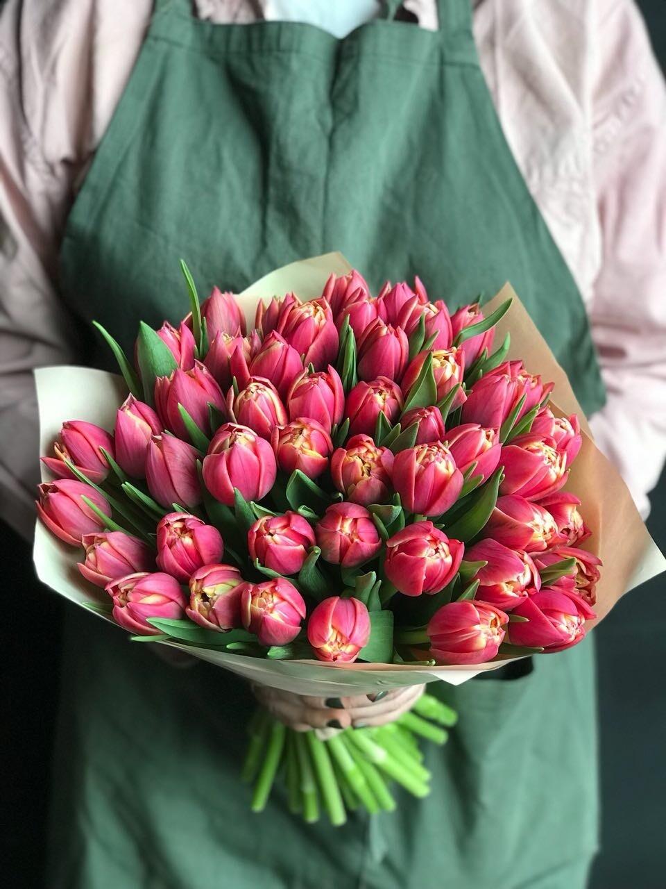 Chic Peony-shaped PREMIUM tulips