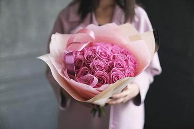 Букет из розовых роз АкваПинк