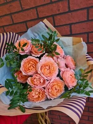 Букет пионовидных роз Джульетта с фисташкой.