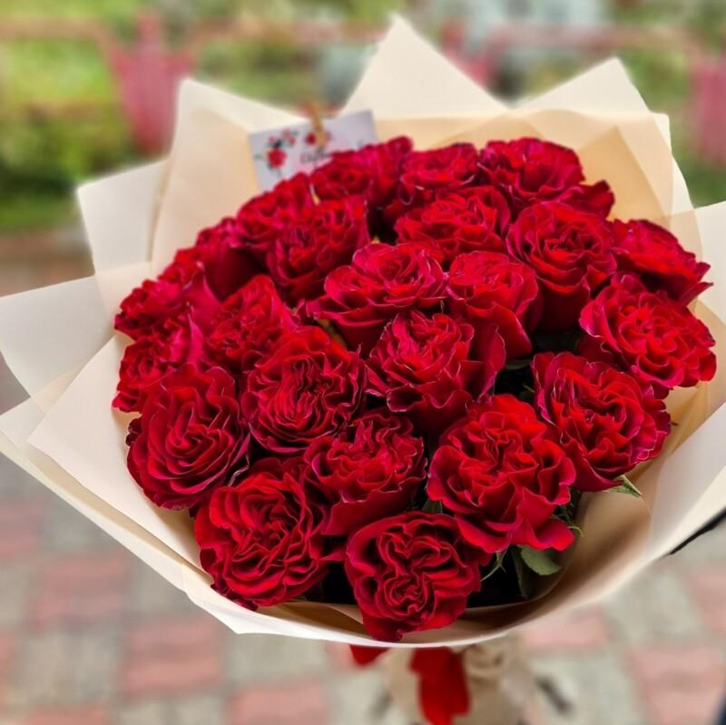 Букет из роз Хартц пионовидные