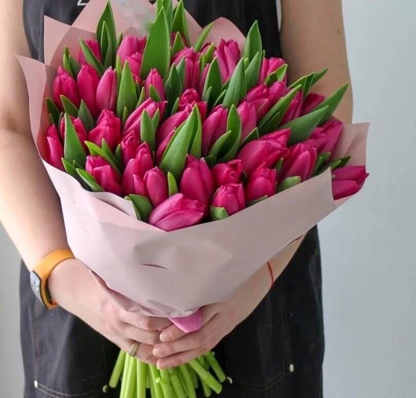 Букет из 51 розового тюльпана Pink