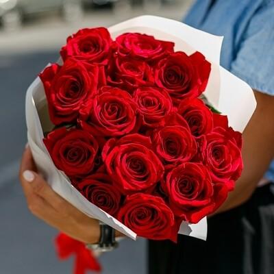 Букет из 15 роз Эксплорер (Красный бархат)