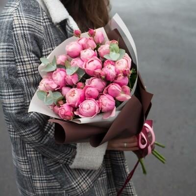 Букет пионовидных роз Silva Pink.