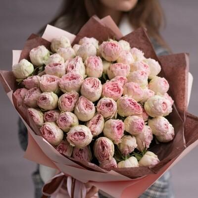 Букет пионовидных роз MANSFIELD PARK.