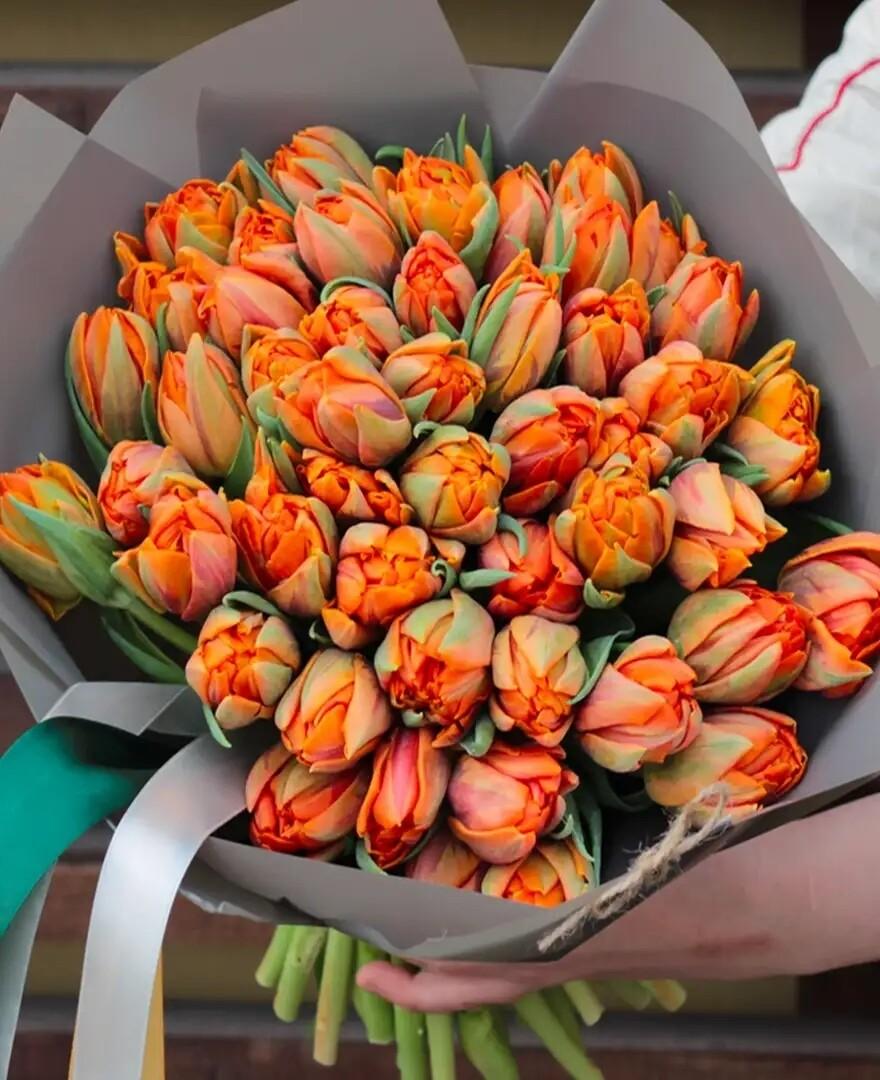 Букет пионовидных тюльпанов Du Orange Princess.